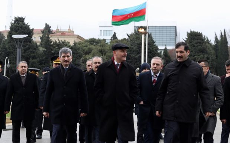 THE MINISTER OF INTERIOR MR. SÜLEYMAN SOYLU VISITED AZERBAIJANI AND TURKISH MARTYRDOMS IN BAKU